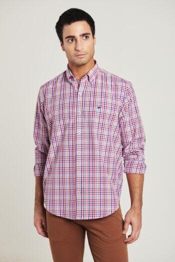 Camisa regular fit mangas largas a cuadros de algodón y poliester