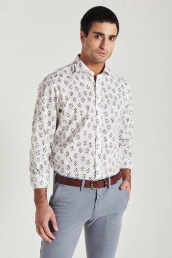 Camisas Mangas largas slim fit con tirilla en bajo cuello sin bolsillo